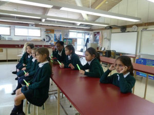 Gr. 2's Visit Sr. Science Wing